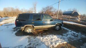 1999 GMC Yukon slt SUV, Crossover