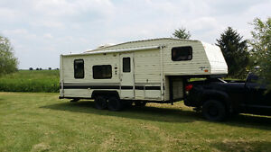 1992 25ft Terry 5th Wheel