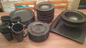 Nautica Artic Nights Tableware Excellent Condition 8 settings