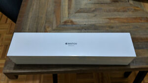 Apple Watch 3 gold+pink sand. GPS. Brand new