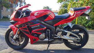 CBR 600RR accidenté/crashed/VENDUE/SOLD!!!!