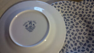New 2 Blue Rose Cups + 6 Plates - for sale ! Kitchener / Waterloo Kitchener Area image 3