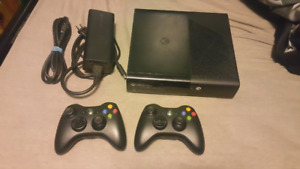 500GB XBOX SLIM E + 2 CONTROLLERS + 16 GAMES ON HARDDRIVE!