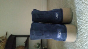 Mint condition  Blue UGG boots.