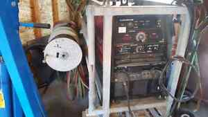 Lincoln 305g welder and skid