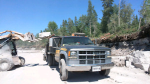 Jumbo flag, Armour stone, Topsoil, Colored mulch, deliveries
