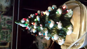 1 WHITE & 1 GREEN CERAMIC CHRISTMAS TREES Belleville Belleville Area image 2