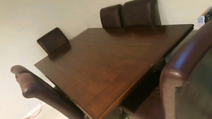 7 piece dinning table set in good condition