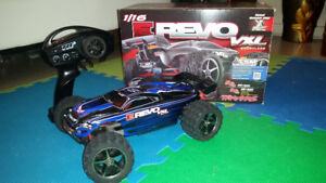 Traxxas 1/16 E-REVO VXL Brushless | Comes with DC AND AC CHARGER