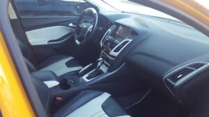 2012 Ford Focus Titanium Hatchback (Clean - Fully Loaded)