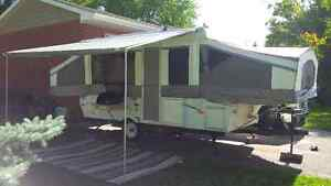 PALOMINO YEARLING 4123 POP-UP TENT TRAILER
