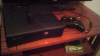 Xbox 360 w/ controller and a few games