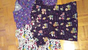 3 chandails d'uniformes Small 3/20$