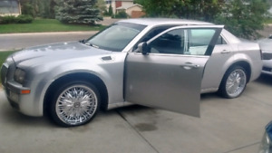 2009 Chrysler 300 trade or 7500$