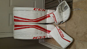 CCM 33+1 PREMER  R1.9 white/red GOALIE PADS BRAND NEW CONDITION