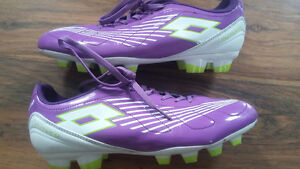 Soccer Cleats size 5