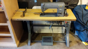 Singer 660 A202 Industrial Sewing Machine.