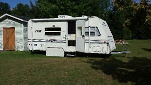 End of Season Camper Special ..Priced to move.. Cornwall Ontario image 1