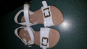Size 8 toddler strappy sandals