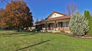 Retirement Home FOR SALE!!! Rare Opportunity! 5 min from KW! Kitchener / Waterloo Kitchener Area image 2