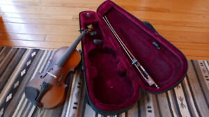 Violins 1/4 and 1/2 size