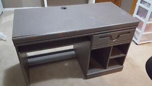 Desk good condition