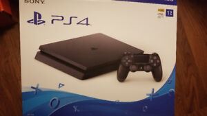 PS4 barely used ( 1 day)