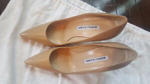 Manolo Blahnik Nude Beige leather pumps heels Stiletto size 37.5