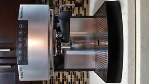 (KRUPS) NESPRESSO EXPRESSO CAPPUCCINO & FROTHER MACHINE NEW COND