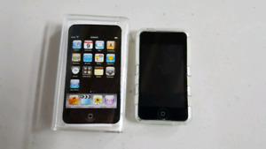 Ipod touch 32gig 2nd gen mint condition.