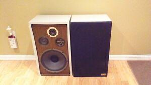 Speakers (2)  3 Way Speakers, 60W,  EDS777