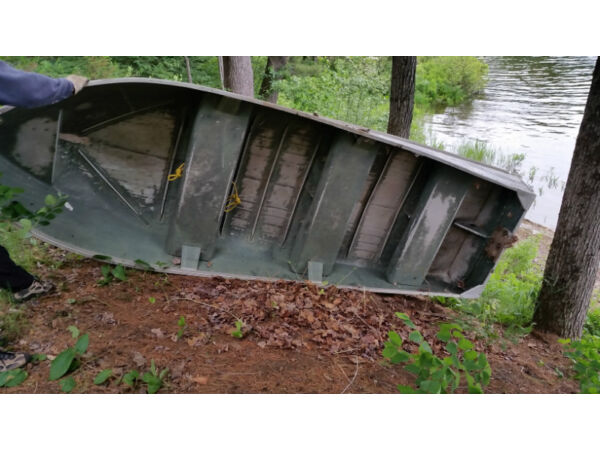 1980 Other 12 foot aluminum boat + 9.5 h.p. johnson outboard