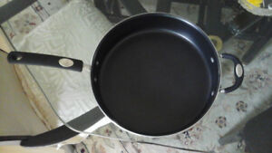 Frying pan TRAMONTINA, USA, X LARGE 5,21 L , DEEP NON STICK.