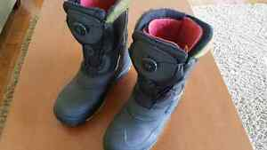 Kamik Boys/Mens winter boots with Boa Closure size 7 Prince George British Columbia image 2
