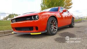 2016 Dodge Challenger SRT Hellcat Coupe (2 door)