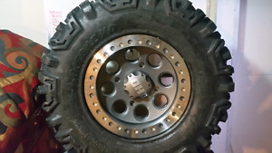 5 Brand New 28x10-14 Roctanes on Beadlocks for RZR