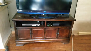 TV/ Entertainment Stand - NEEDS TO GO - STILL NOT SOLD