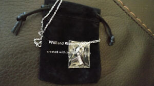 Swarovski crystals WillLand Ribbon Pendant BRAND NEW IN PACKAGE