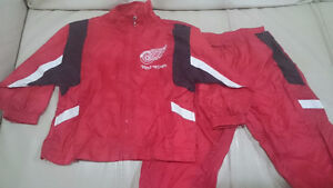 24m Detroit Red Wings windbreaker with matching pants