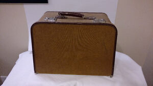 Bernina Record 530 with case and cabinet Windsor Region Ontario image 4