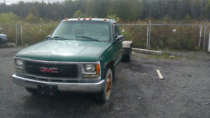 1999 GMC 3500 Dually cab on chassis 350 vortec. 5 speed manual