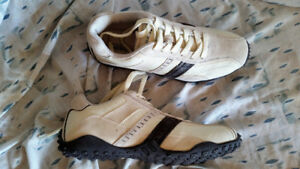 WOW- PERRY ELLIS AMERICA RUNNING SHOES SIZE 12