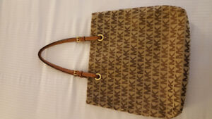 MICHAEL KORS SAC EXCELLENT CONDITION NEUF