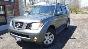 2005 Nissan Pathfinder LE-LOW KM! DVD! 7 PASS! SUV, Crossover