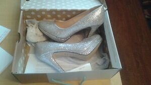 SIZE 7 HEELS SILVER NEW IN BOX NEVER WORN SPRING