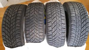 4 pneus d'hiver Goodyear 205/55R16 91T