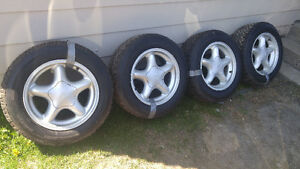 4 MAG FORD MUSTANG 16 POUCE 225-60-16 10/32 400$