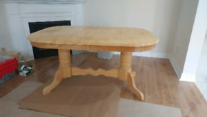 Butterfly wing table w/6 chairs