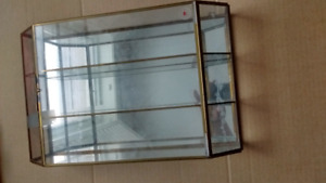 Glass & Brass VTG MIRRORED CURIO CABINET Display Case Wall Hangi