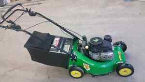John Deere self propelled lawn mower Regina Regina Area image 2